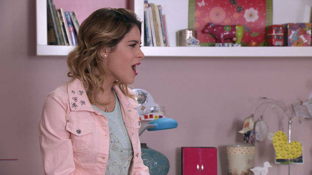 "Momento Musical: Violetta ensaya ""Supercreativa"" - Violetta"