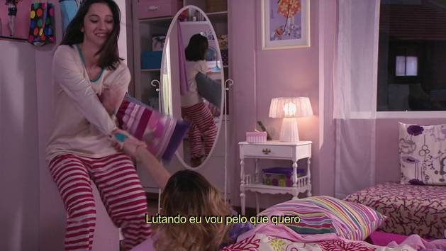 "Momento Musical: Francesca, Violetta e Camila ensaiam ""Encender nuestra luz"" - Violetta"