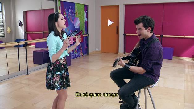 """Momento Musical: Diego e Francesca ensaiam """"Es mi pasión"""" - Violetta"""