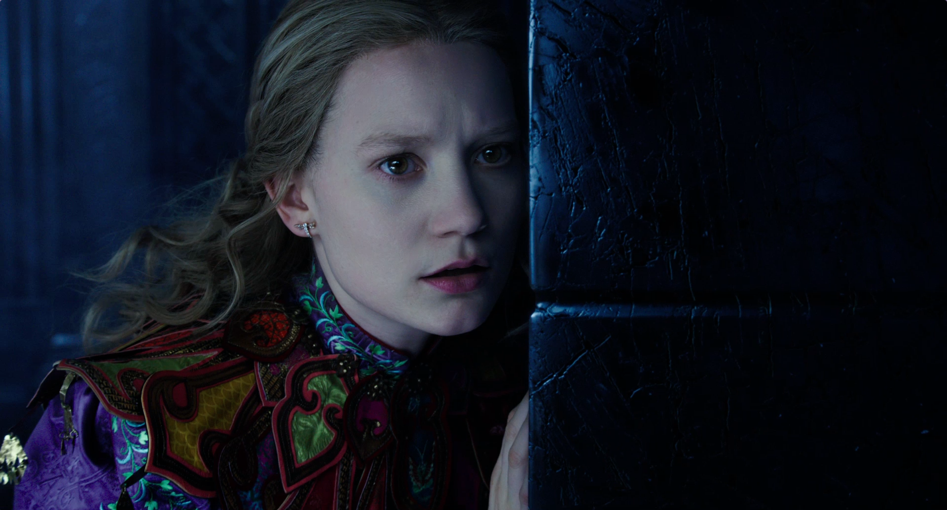 Alice através do espelho - Trailer 2
