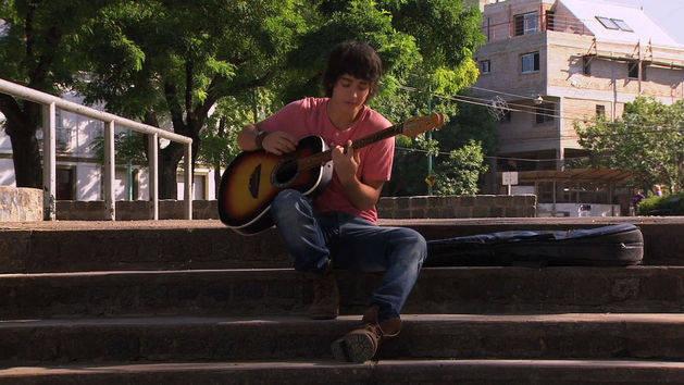 Marco y Fran cantan en inglés - Violetta
