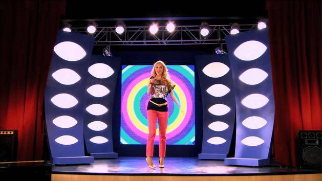"Music Clip: ""Destinada a brillar"" - Violetta"