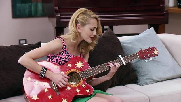 "Momento Musical: Ludmila y Federico interpretan ""Quiero"" -  Violetta"