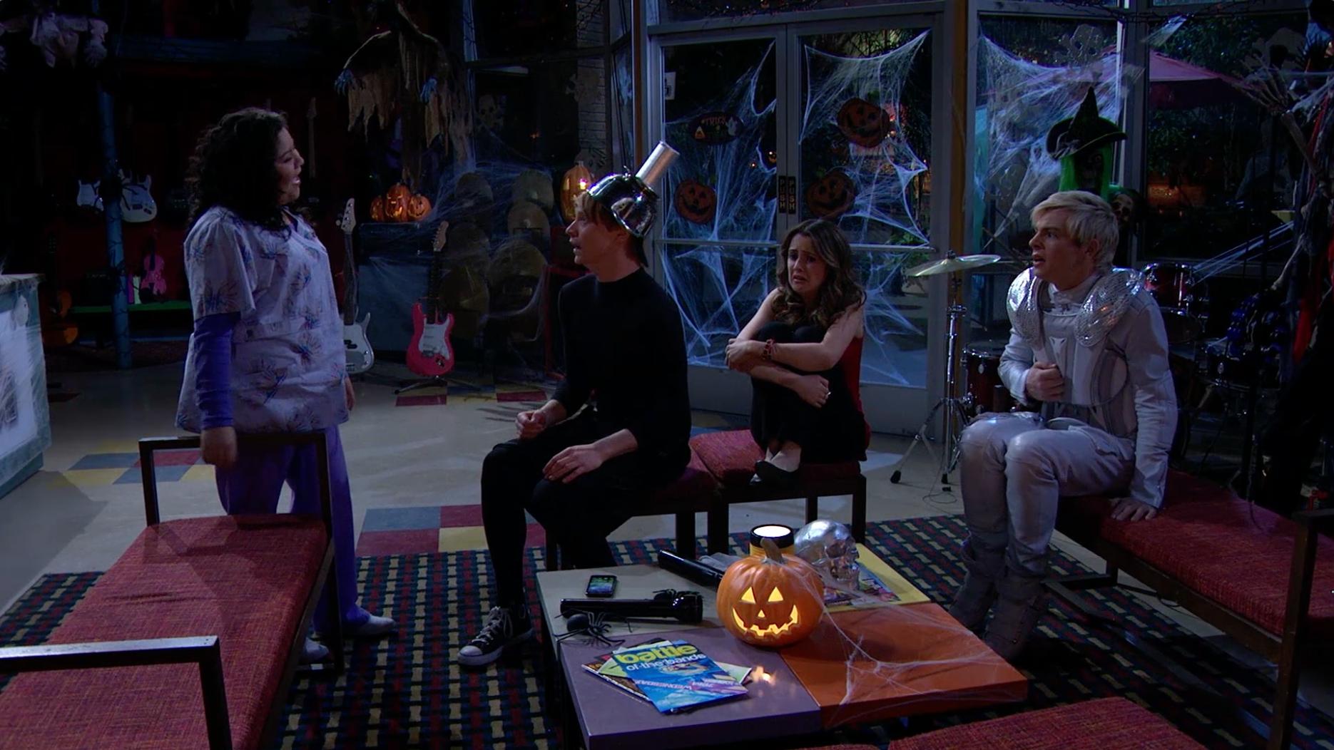 """""""Cuentos de Terror & Temores de Halloween"""" - Austin & Ally"""
