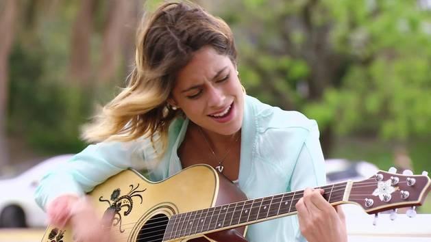 "Momento Musical: Violetta canta ""Descubrí"" - Violetta"