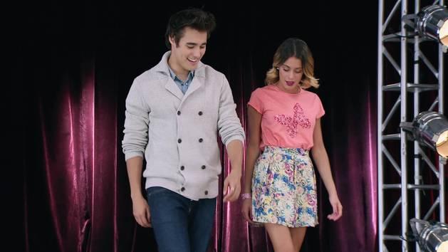 """Momento Musical: Todos cantan """"Crecimos juntos"""" - Violetta"""