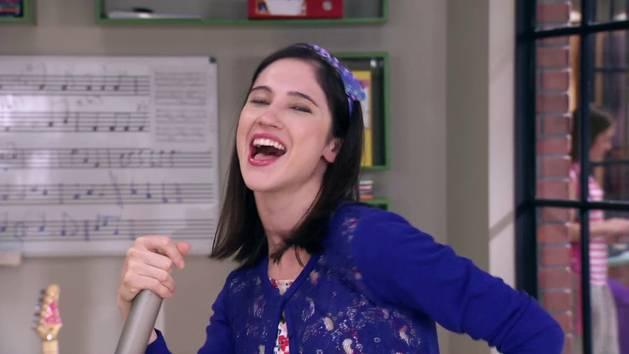 """Momento Musical: Naty, Camila y Fran interpretan """"Encender nuestra luz"""" - Violetta"""