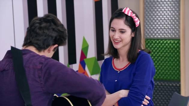 "Momento Musical: Violetta, Diego y Francesca cantan ""Ser quien soy"" - Violetta"