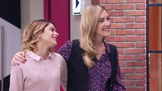 """Momento Musical: Angie y los chicos interpretan """"Ven y canta"""" - Violetta"""
