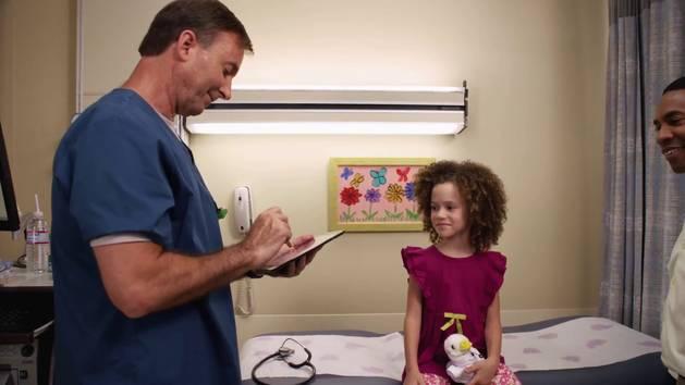 Escuela de Medicina entra en sesión #2 - Doctora Juguetes