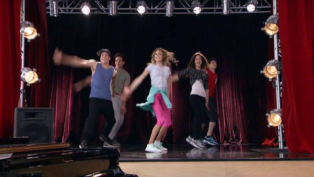 """Momento Musical: Violetta, Facu, Alex, Andrés y Fran cantan """"Esto No Puede Terminar"""" - Violetta"""