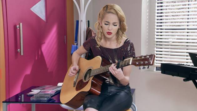 "Momento Musical: Ludmila interpreta ""Quiero"" - Violetta"