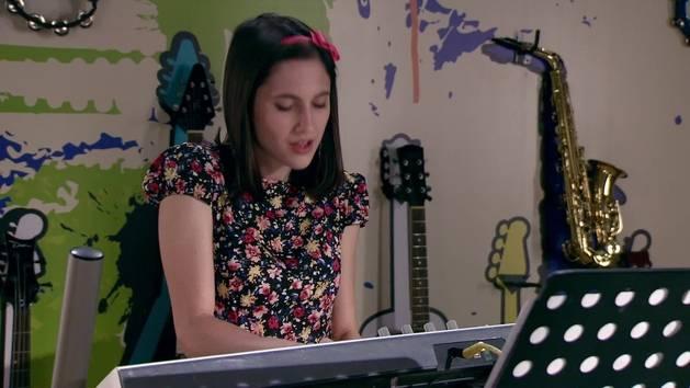 "Momento Musical: Francesca canta ""Verte De Lejos"" - Violetta"
