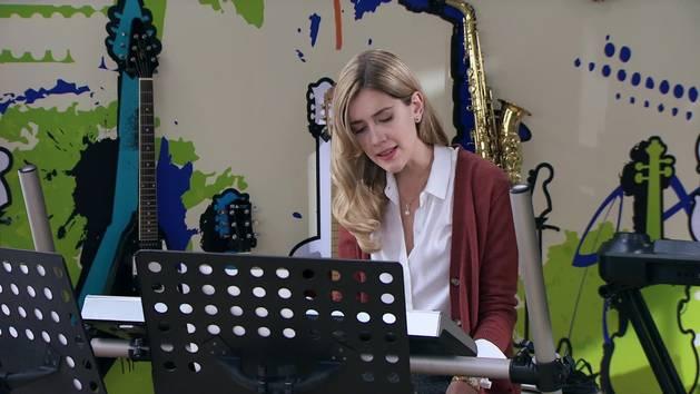 """Momento Musical: Angie interpreta """"Quiero! - Violetta"""