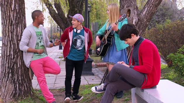 """Momento Musical: Los chicos junto con Matilda ensayan """"We Are One"""" - Violetta"""