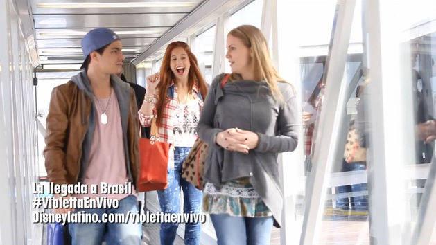 La llegada a Brasil - Violetta en Vivo