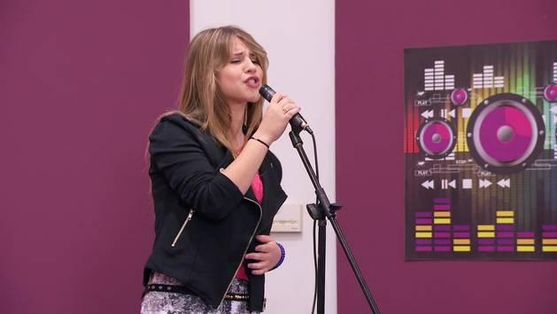 """Momento Musical: Lena canta """"Te creo"""" - Violetta"""