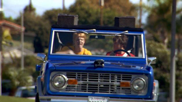 """Episodio 50: """"Dos chicos, un auto y un oso salvaje"""" - Zeke y Luther"""