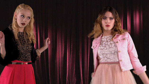 "Video musical: ""Si es por amor - Violetta"