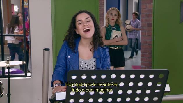 """Momento Musical: Naty canta """"Invencibles"""" - Violetta"""