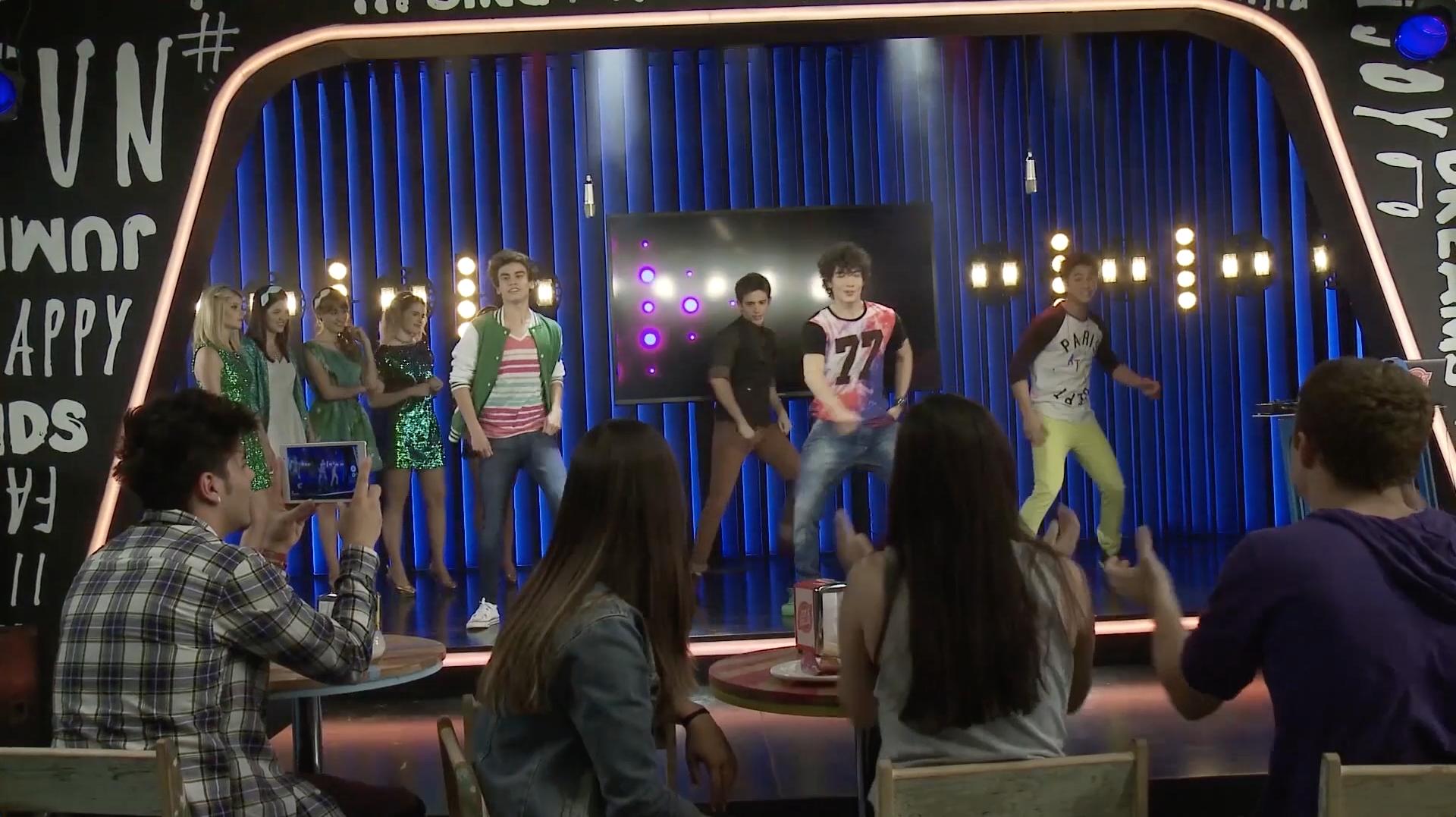 Open Music #3: Cuando bailo - Momento Musical - Soy Luna